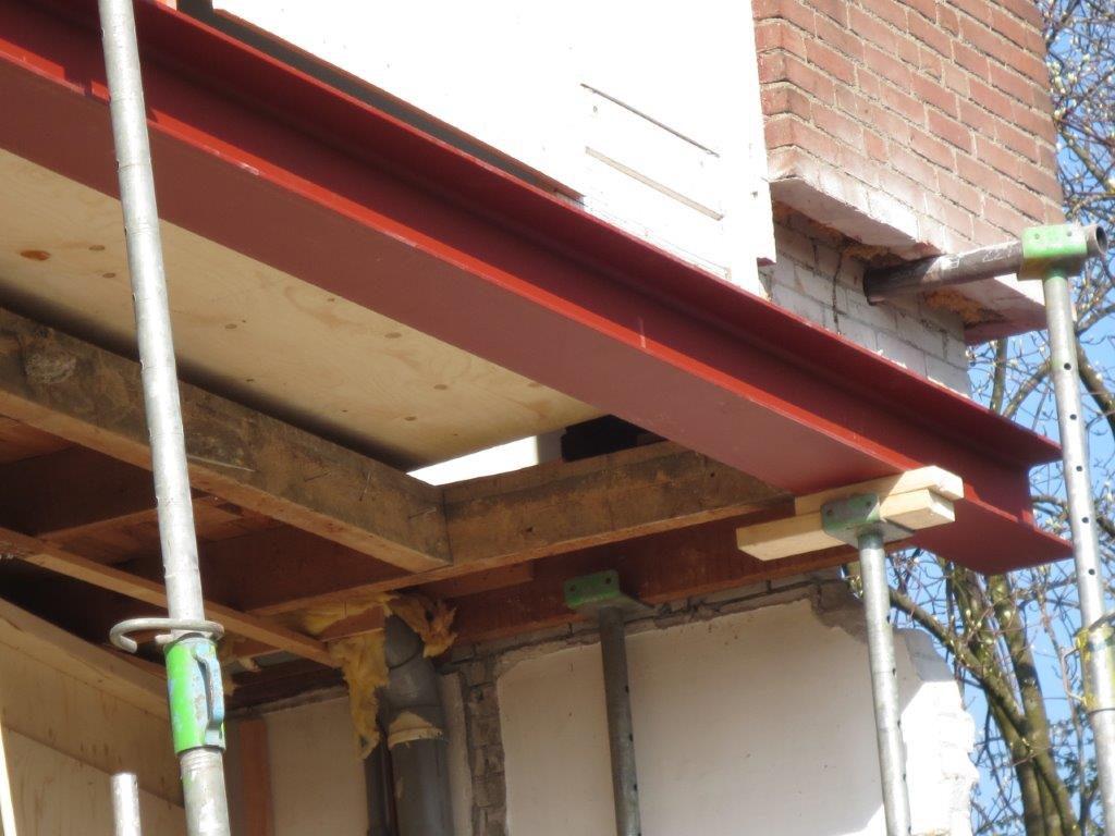 Staalconstructie t.b.v. uitbouw/gevelondersteuning