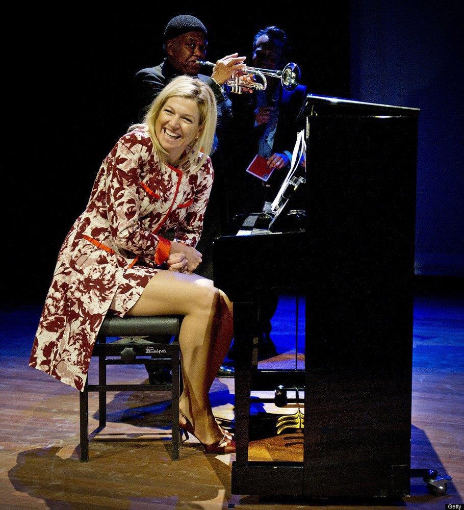 Maxima op een Pianobank van Cuiper Smederij