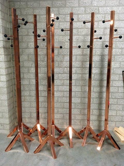 Kapstokken uit staal, verkoperd